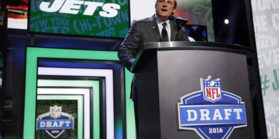 Jets Trade Up to No. 3 Send No. 6 and Picks to Colts