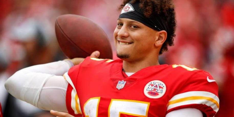 Bucs coach Bruce Arians raves about Patrick Mahomes' 'unbelievable ability'