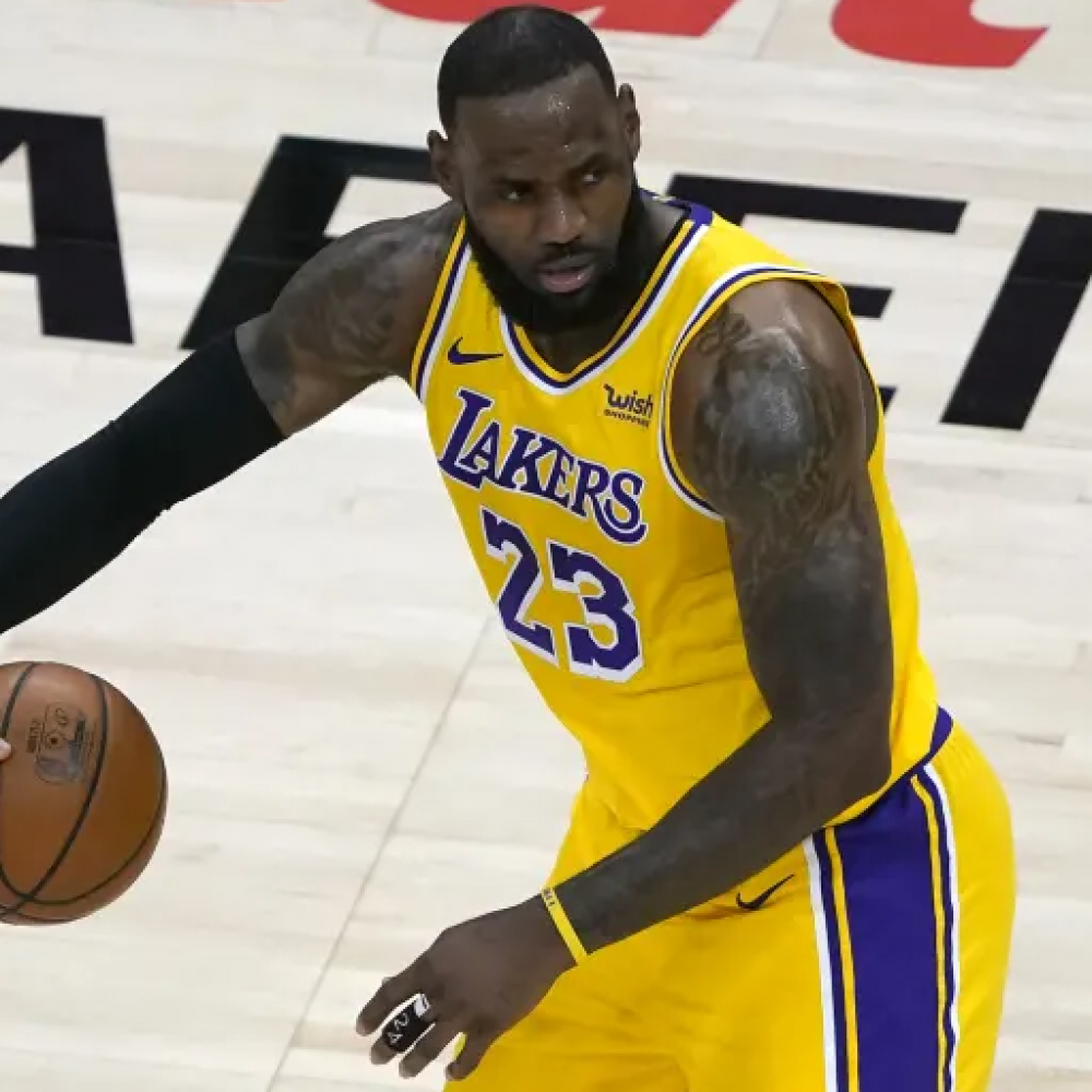 lebron james 3 point record lakers