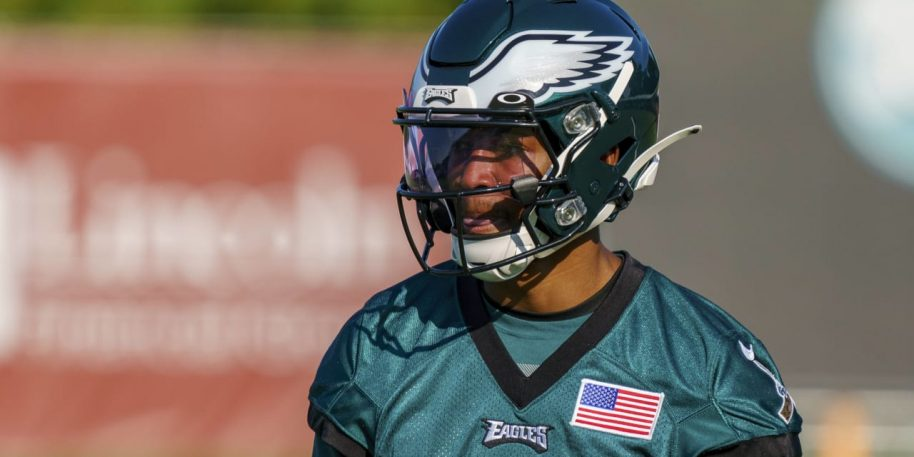 Eagles rookie DeVonta Smith set to miss 2-3 weeks with sprained MCL